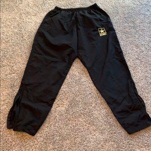 army pants size M